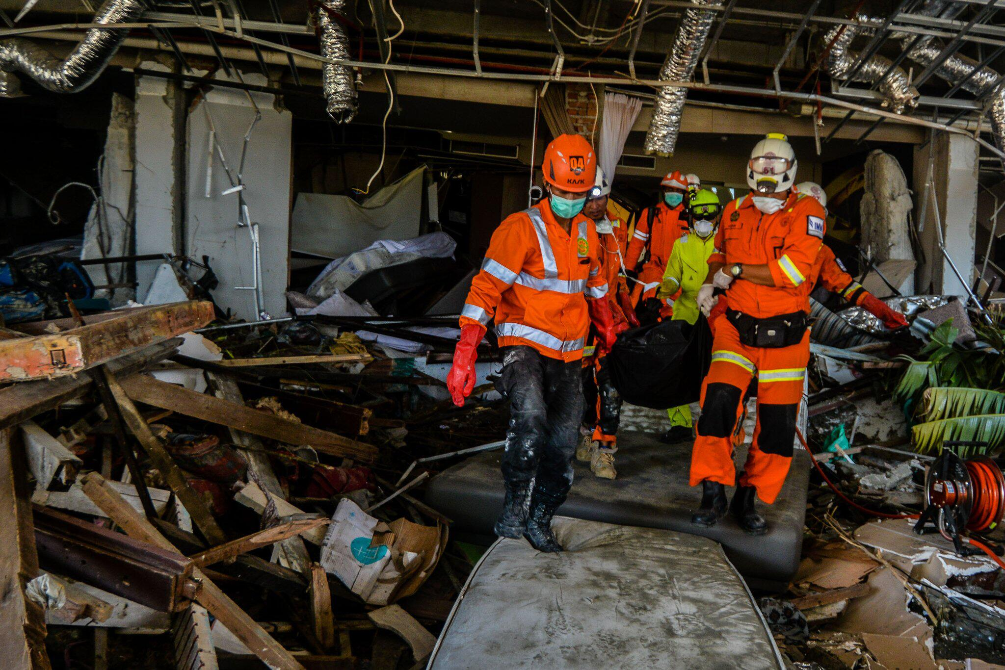 Bild zu Nach dem Erdbeben in Indonesien