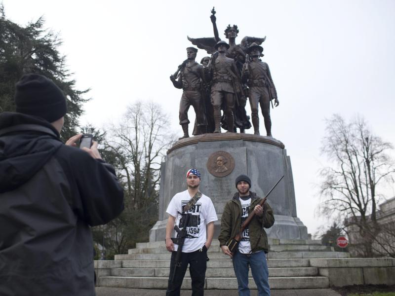 Bild zu Gefechtsbereit in Washington