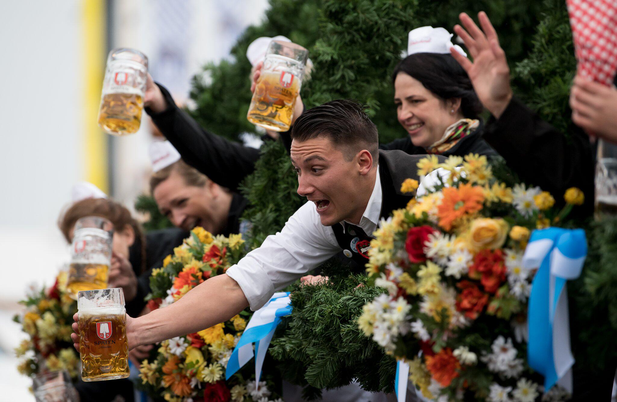Bild zu Oktoberfest in Munich - Opening Day