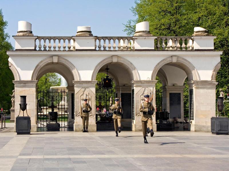 Bild zu Grabmal des unbekannten Soldaten