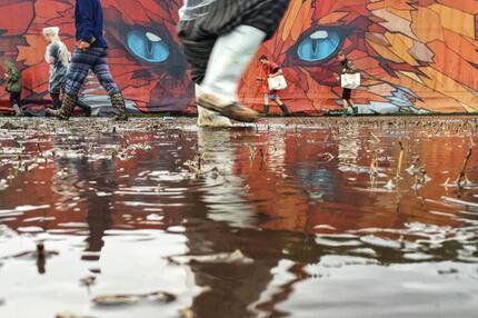 Gewitterfront zieht über Festivalgelände in Scheessel - GMX.ch