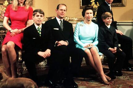 Elizabeth II. im Kreise ihrer Familie