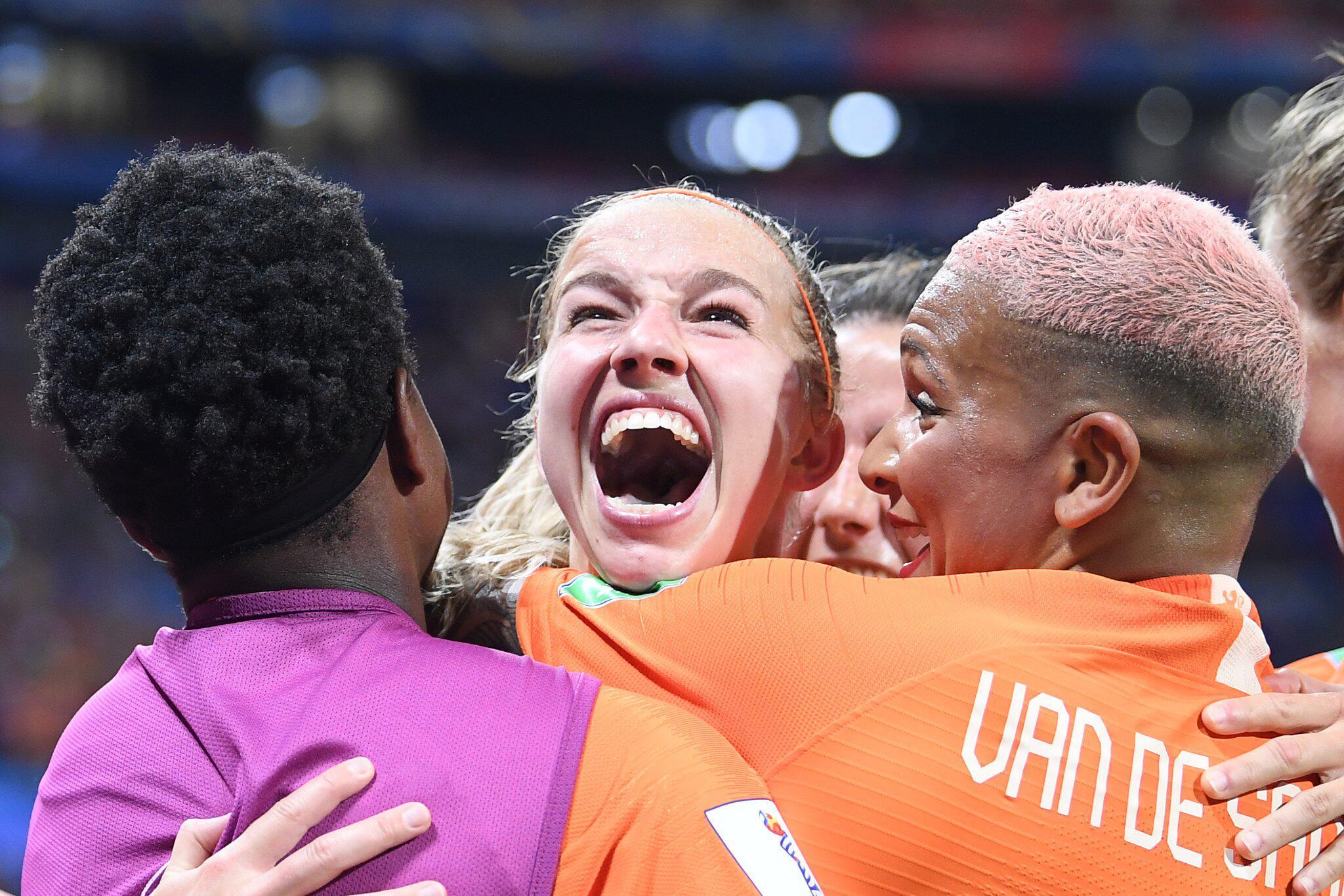 Bild zu Frauenfussball-WM - Niederlande - Schweden