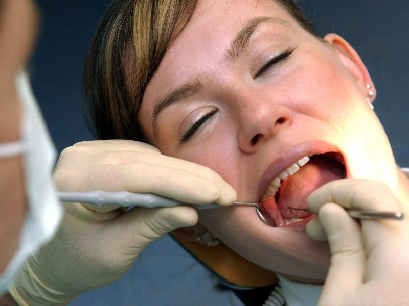 Bild zu Zahnarzt-Behandlung