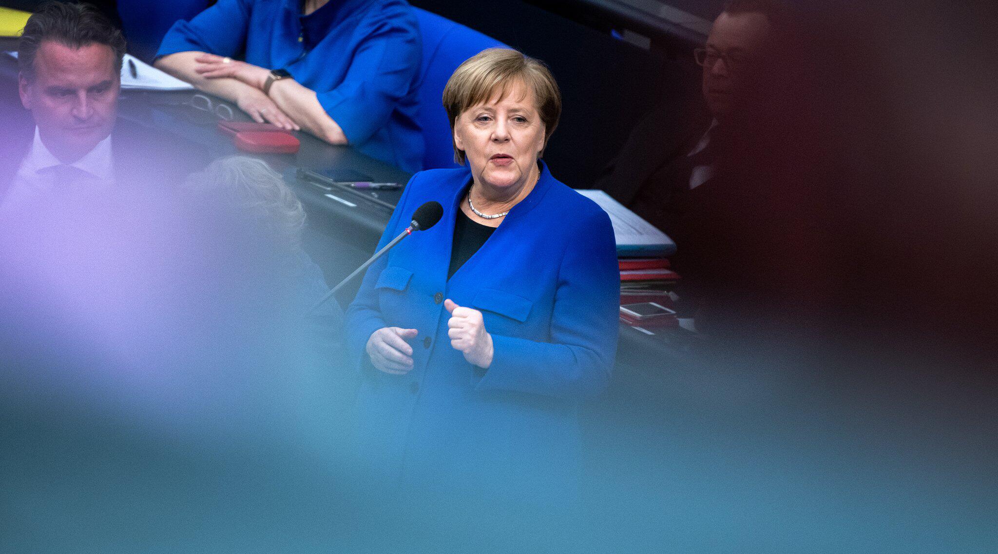 Bild zu Bundestag, Fragestunde, Berlin, Bundeskanzlerin, Angela Merkel, Brexit