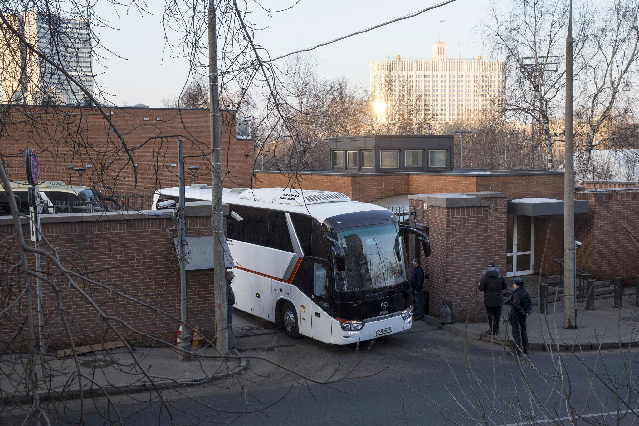 Bild zu US-Diplomaten verlassen Russland