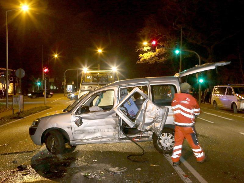 Bild zu Unfallwagen