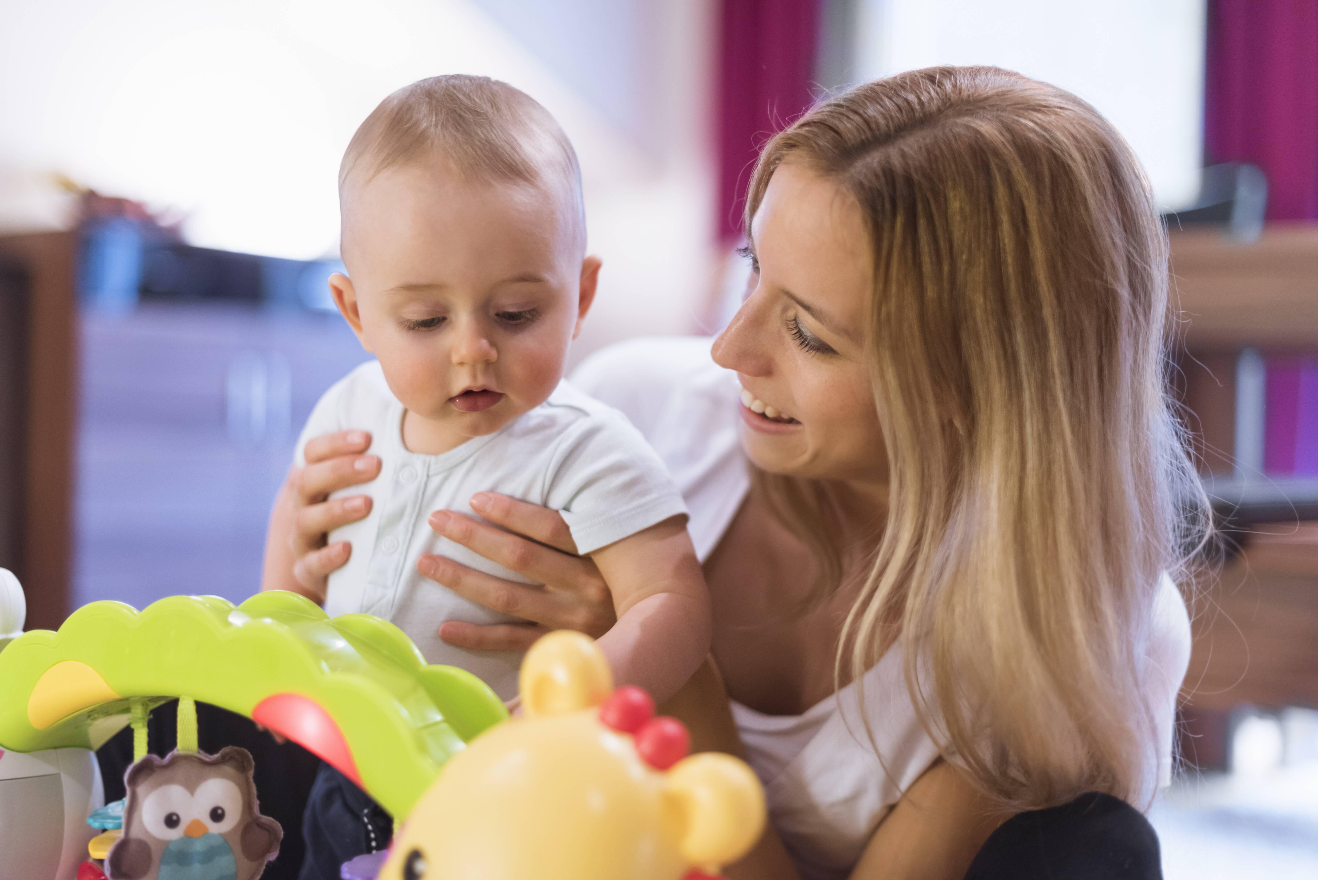 Bild zu Muttersein: Diese Dinge hätten wir gerne vorher gewusst