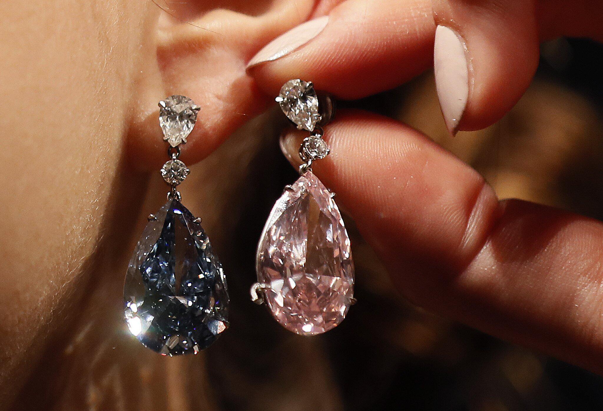 Bild zu Diamant-Ohrringe