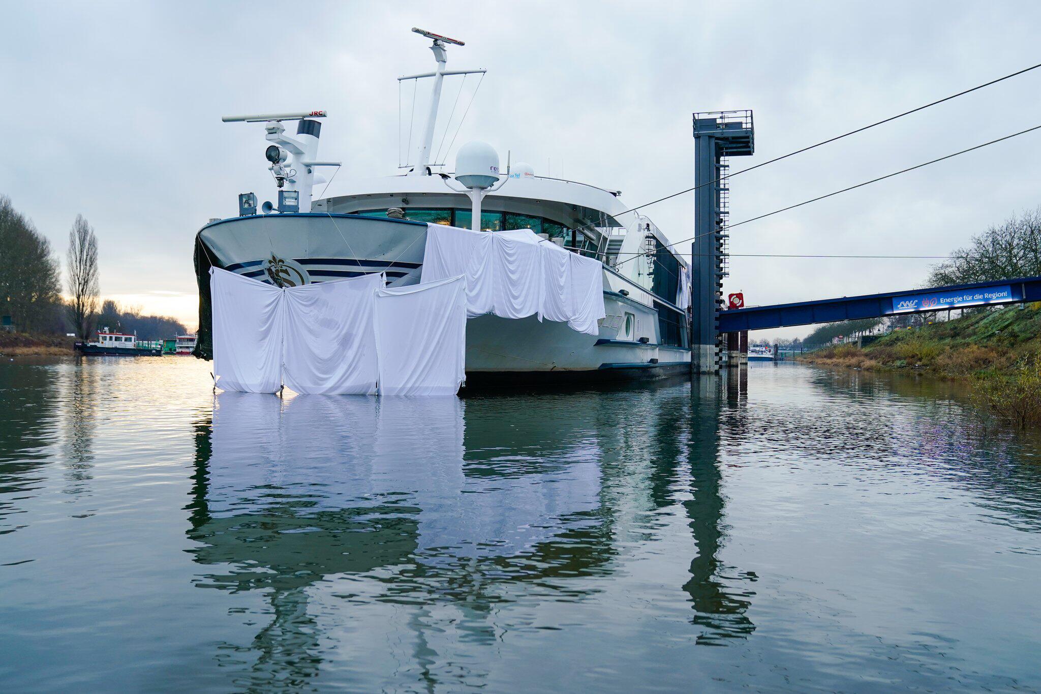 Bild zu Schiffskollision auf dem Rhein