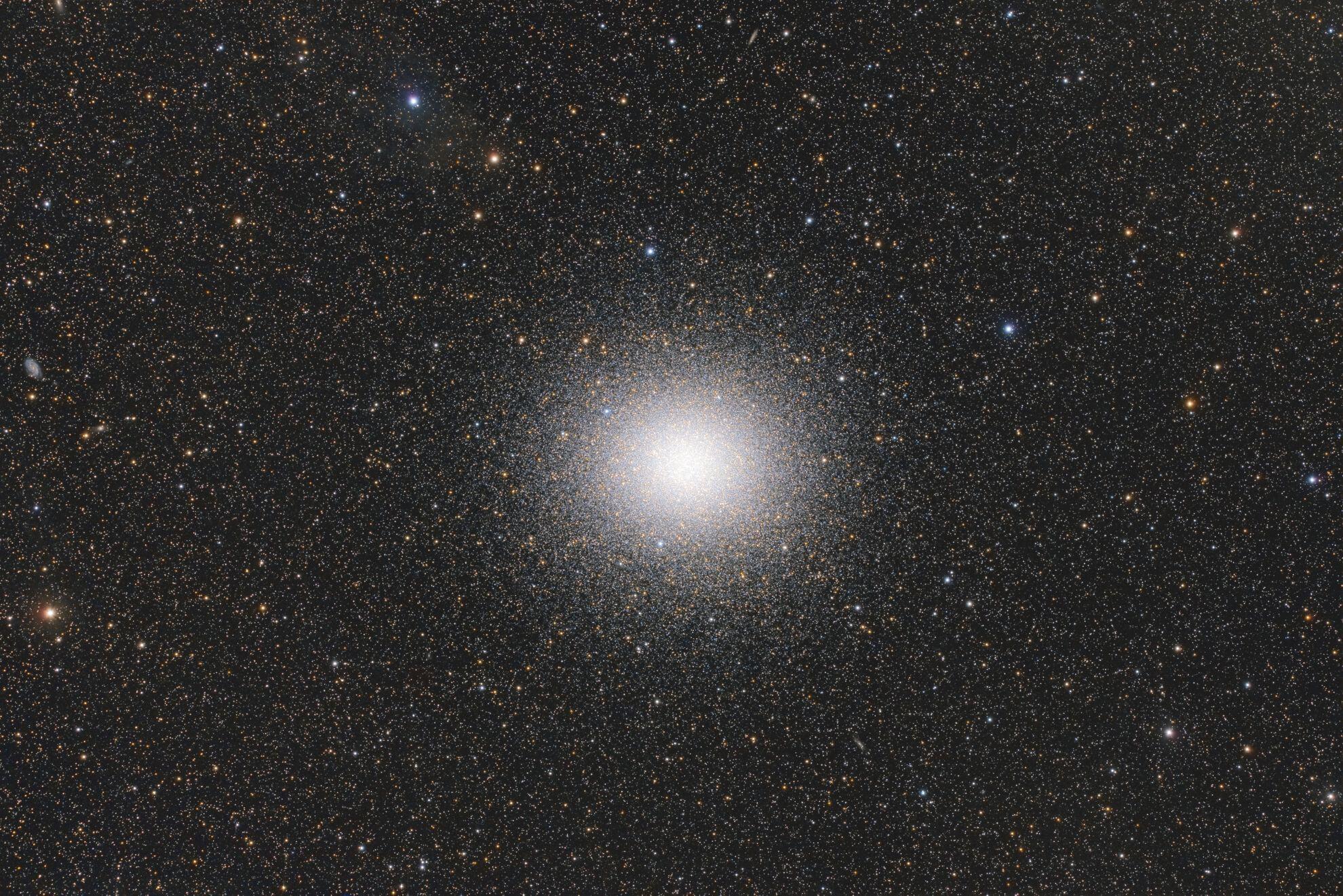 Bild zu Ignacio Diaz Bobillo (Argentina) with The Magnificent Omega Centauri