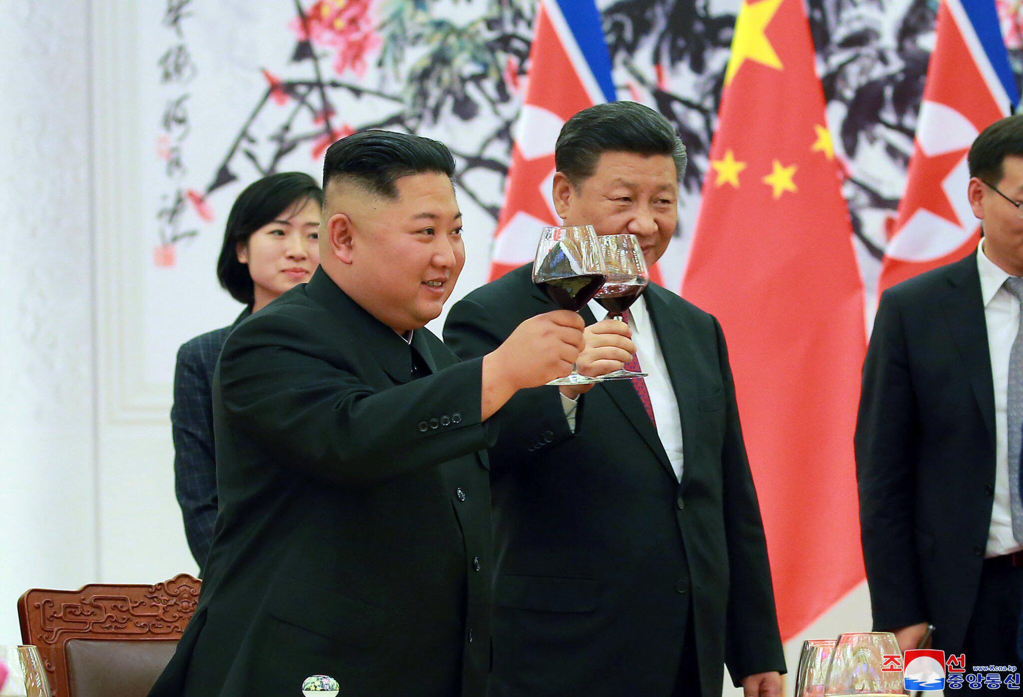 Bild zu Kim Jong Un zu Besuch in Peking