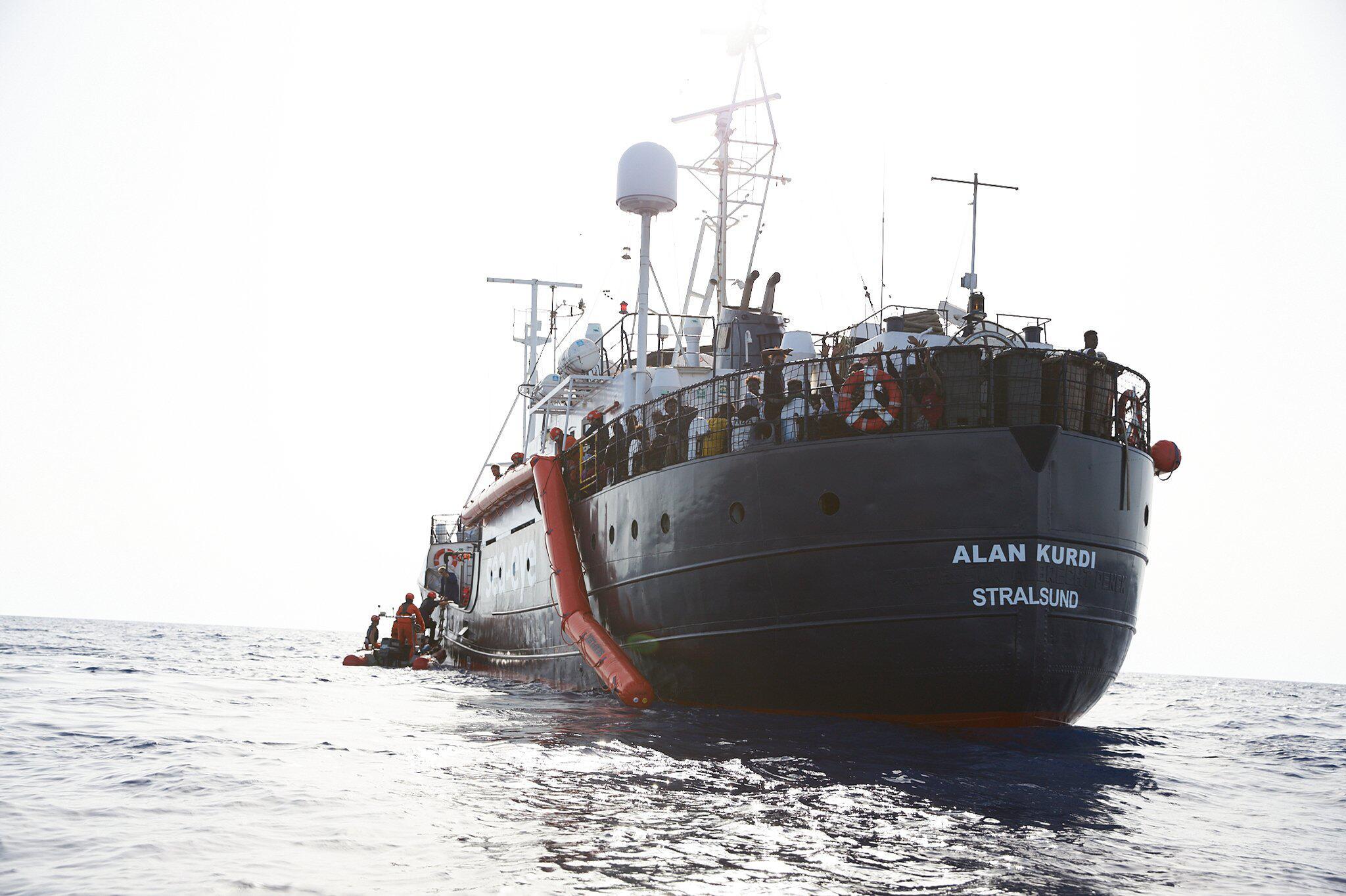 "Bild zu Rettungsschiff ""Alan Kurdi"" rettet Flüchtlinge vor Libyen"