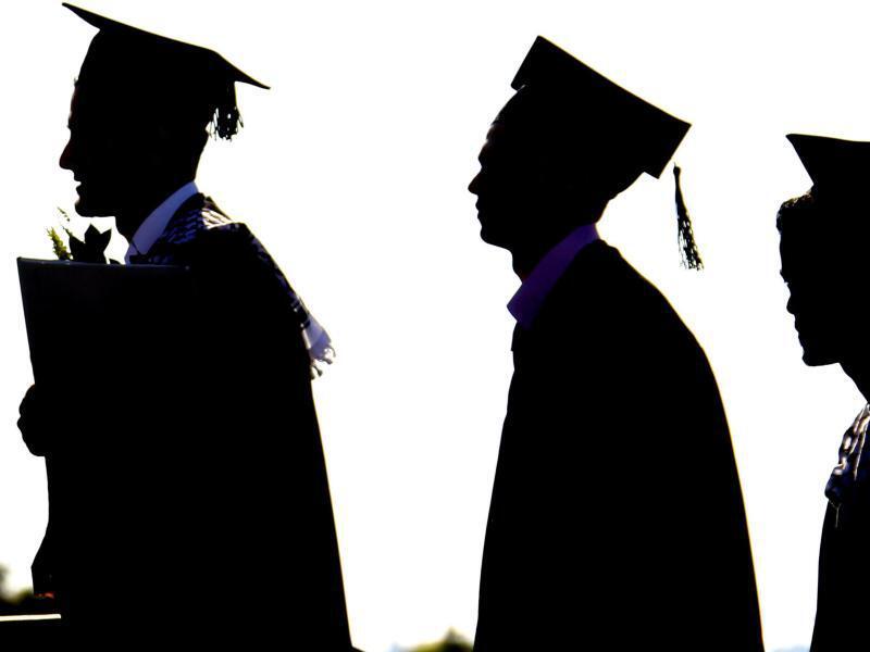 Bild zu Uni-Absolventen