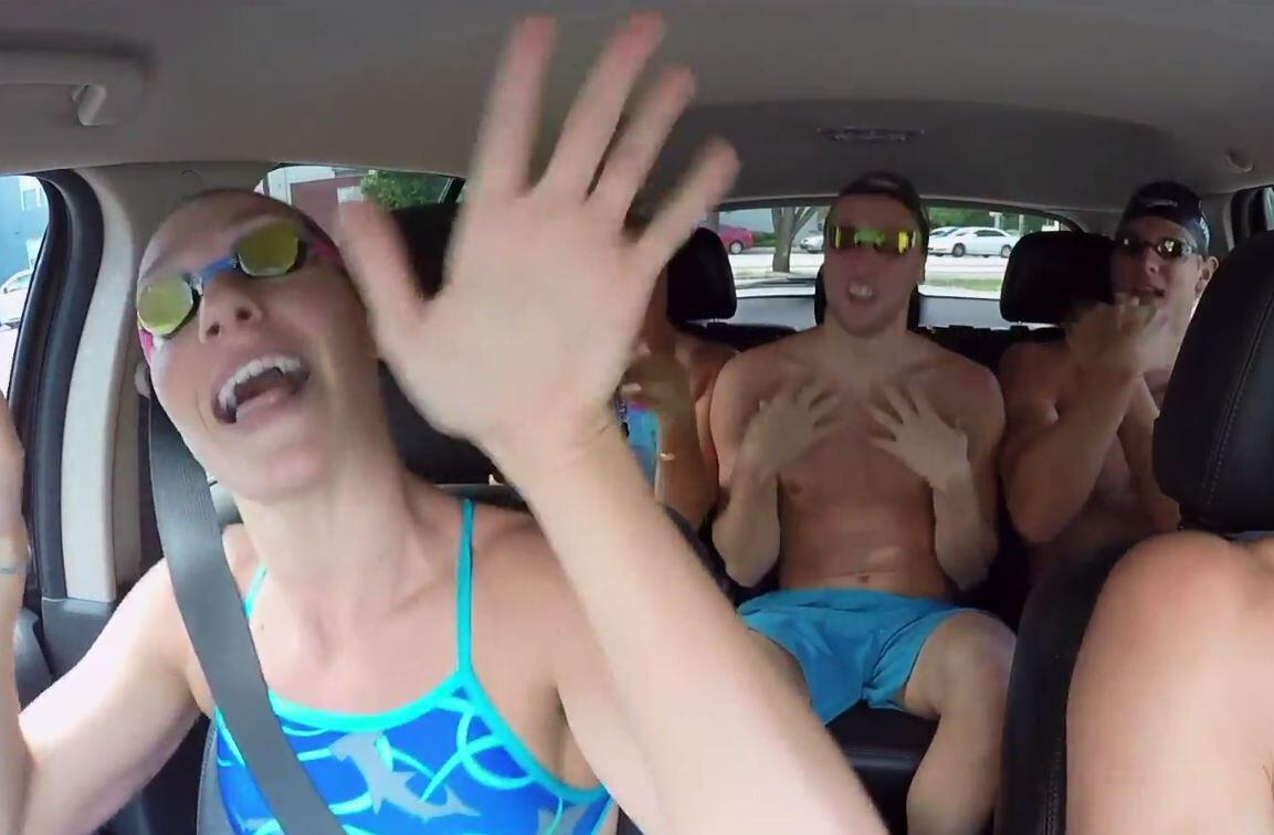 Bild zu Carpool Karaoke