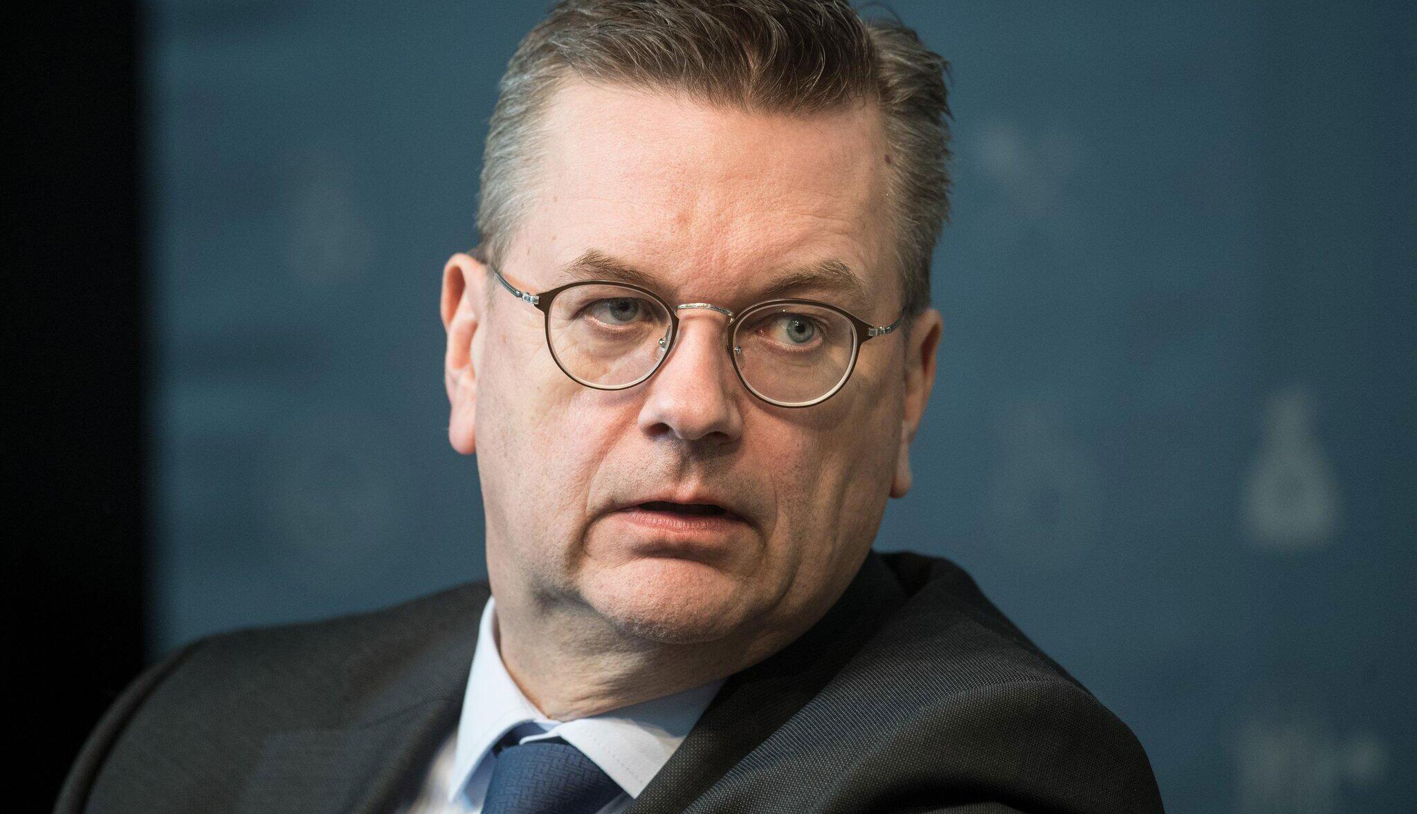 Bild zu DFB-Präsident Reinhard Grindel