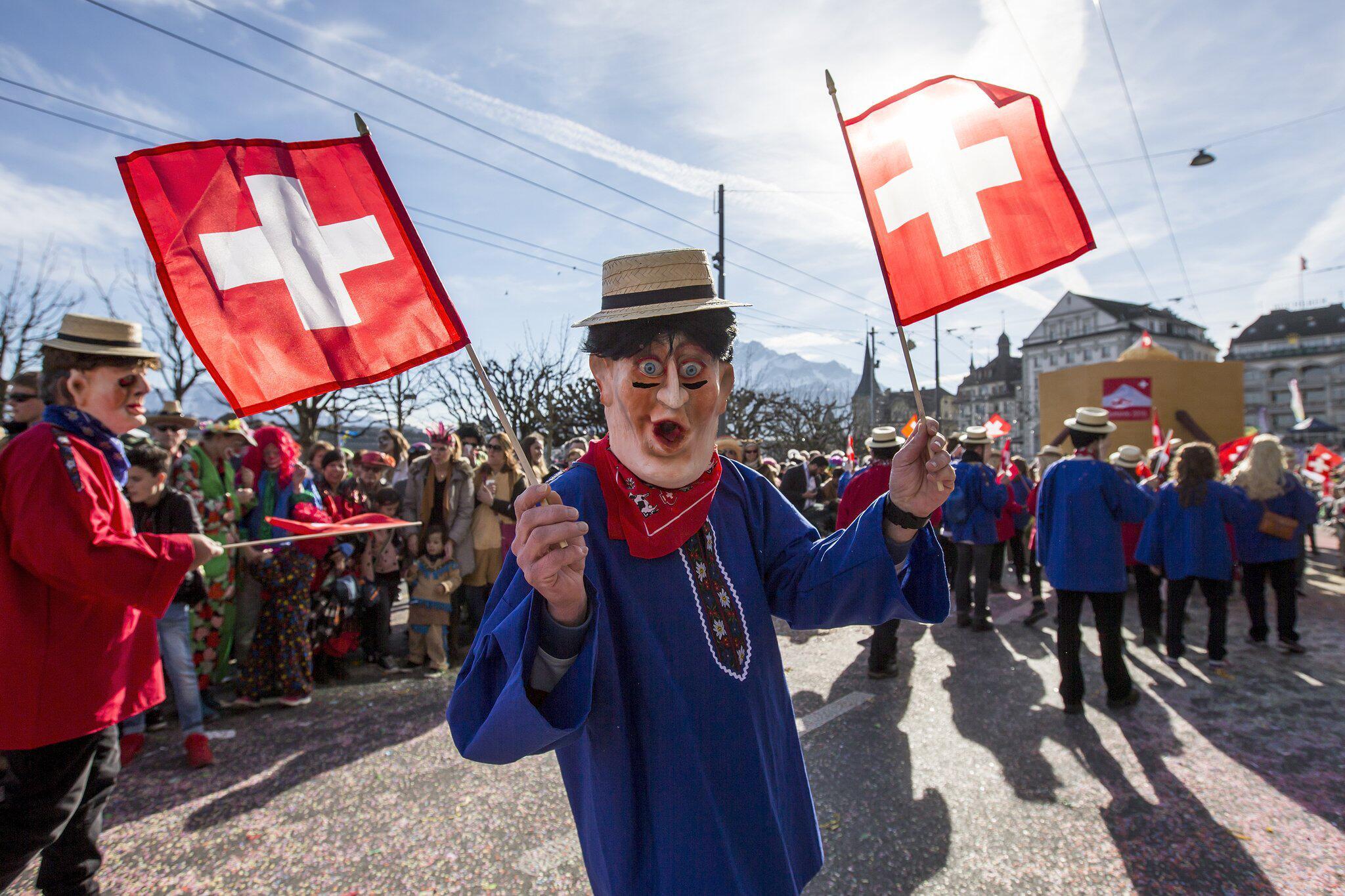 Bild zu Fasnachtsumzug in Luzern