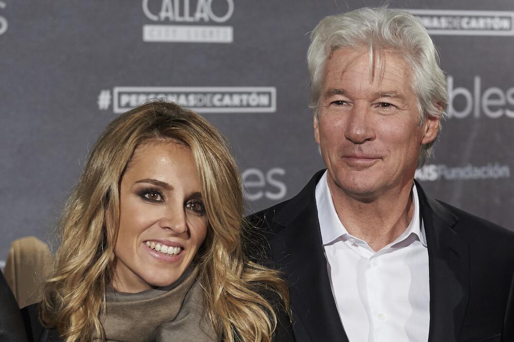 Bild zu Richard Gere und Alejandra Silva bei einer Veranstaltung in Madrid