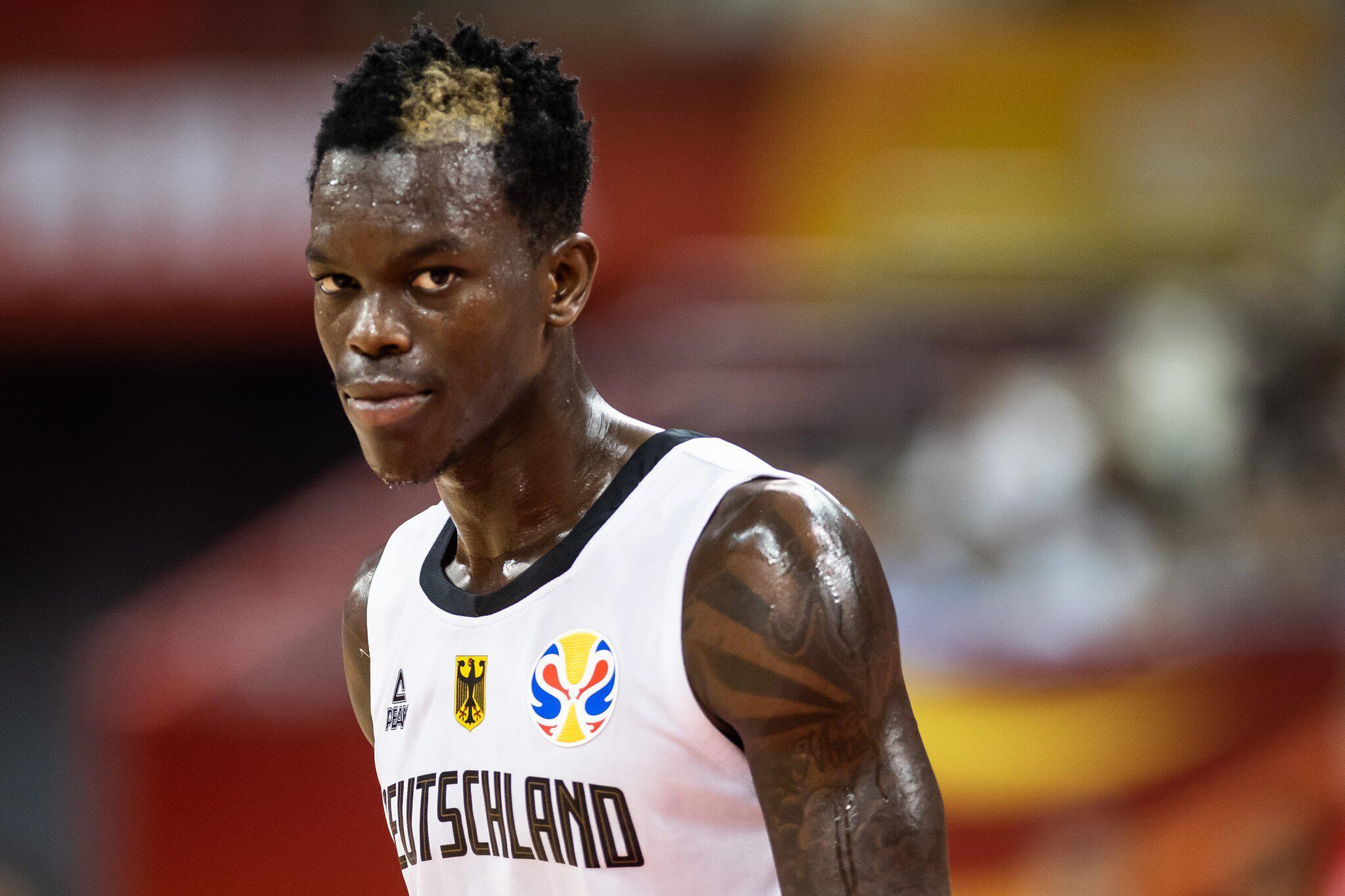 Bild zu Basketball-Star Dennis Schröder von Einbrechern bestohlen