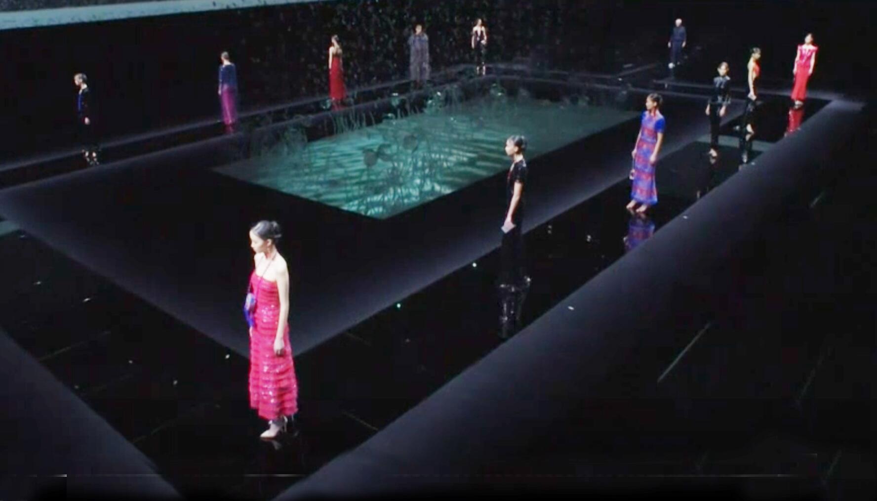 Bild zu Armani, Modenschau, Mailand