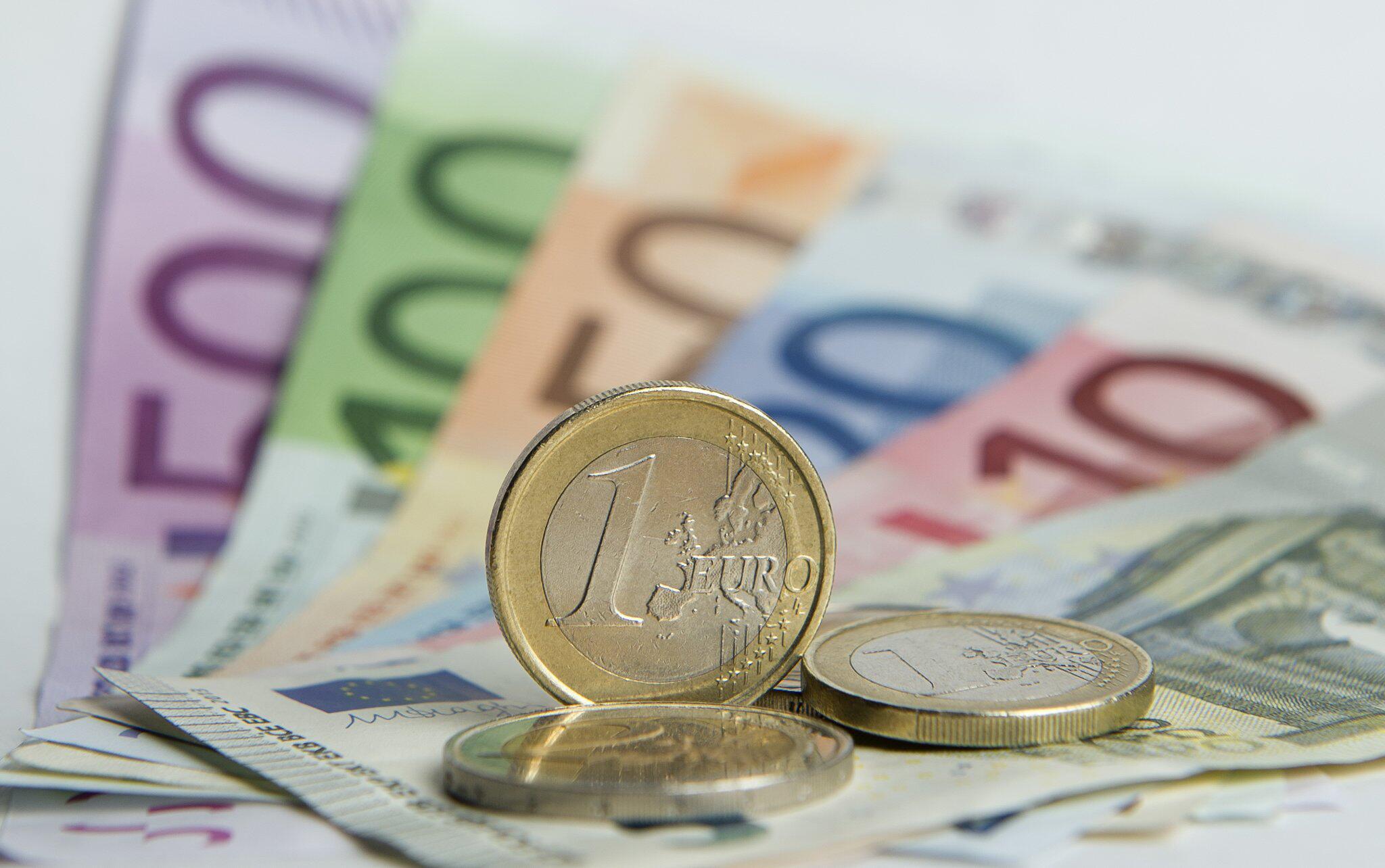 geld überweisung