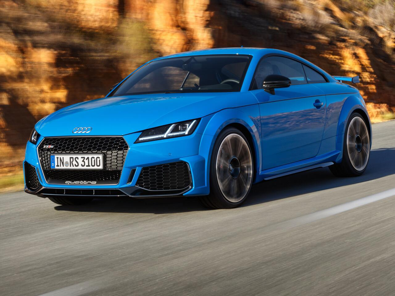Bild zu Mit 400 PS noch bissiger: Der neue Audi TT RS als Coupé und Roadster