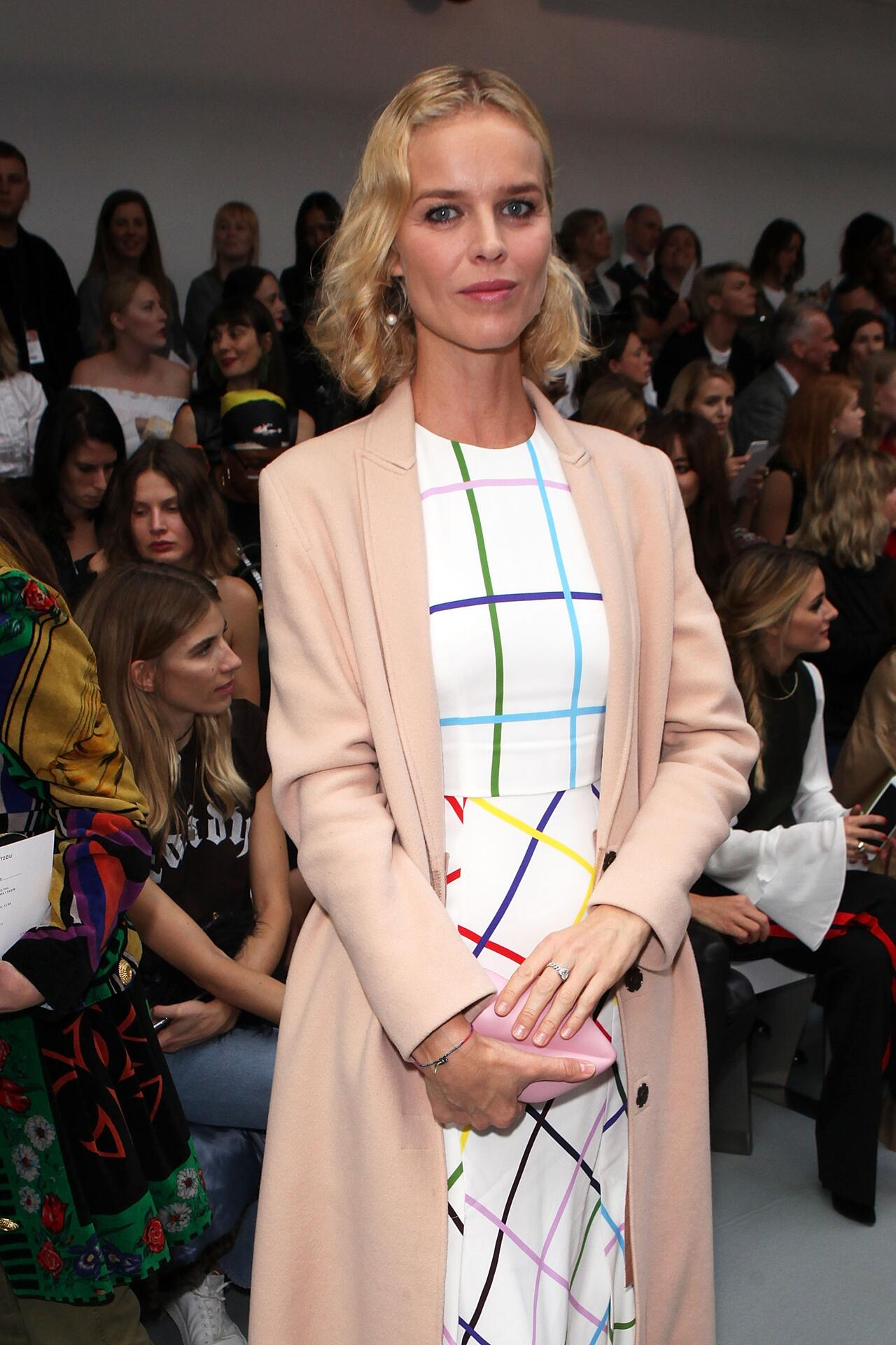 Bild zu Eva Herzigová, London Fashion Week