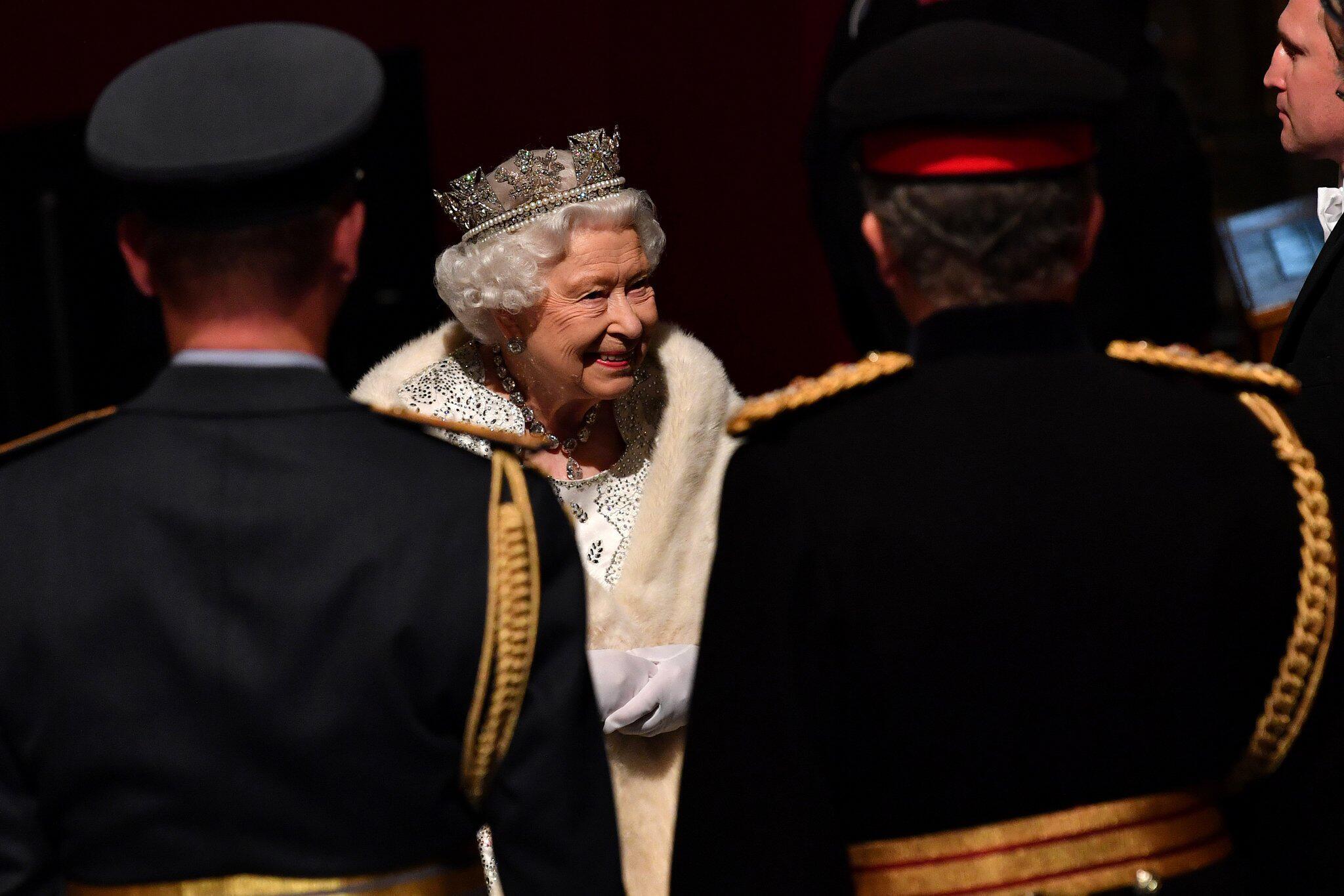 Bild zu Britisches Parlament wird wiedereröffnet