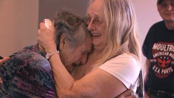 Bild zu Tochter findet Mutter nach 69 Jahren