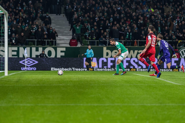 Bild zu Fussball, Bundesliga, Bremen, Eintracht, Frankfurt
