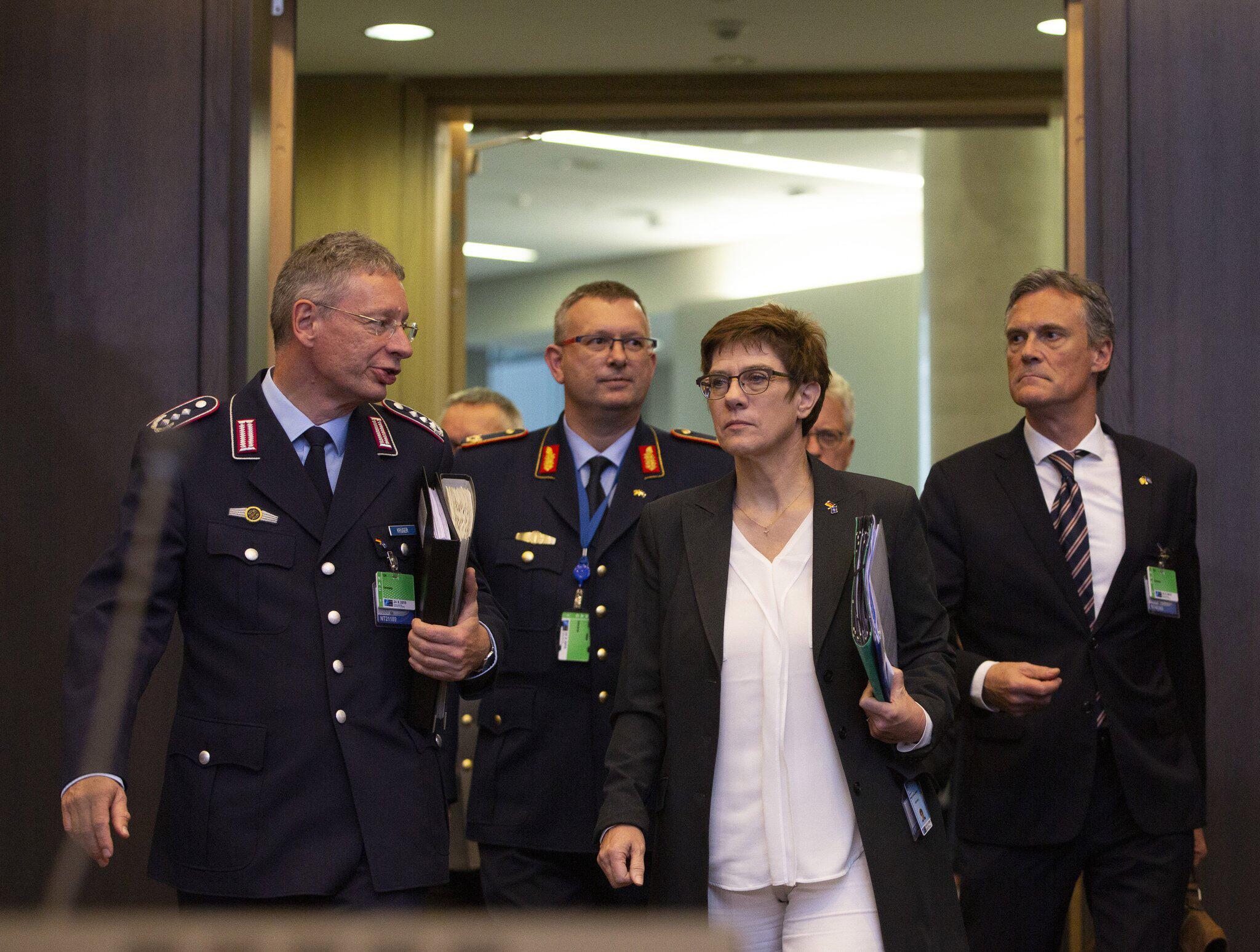 Bild zu Nato-Verteidigungsministertreffen