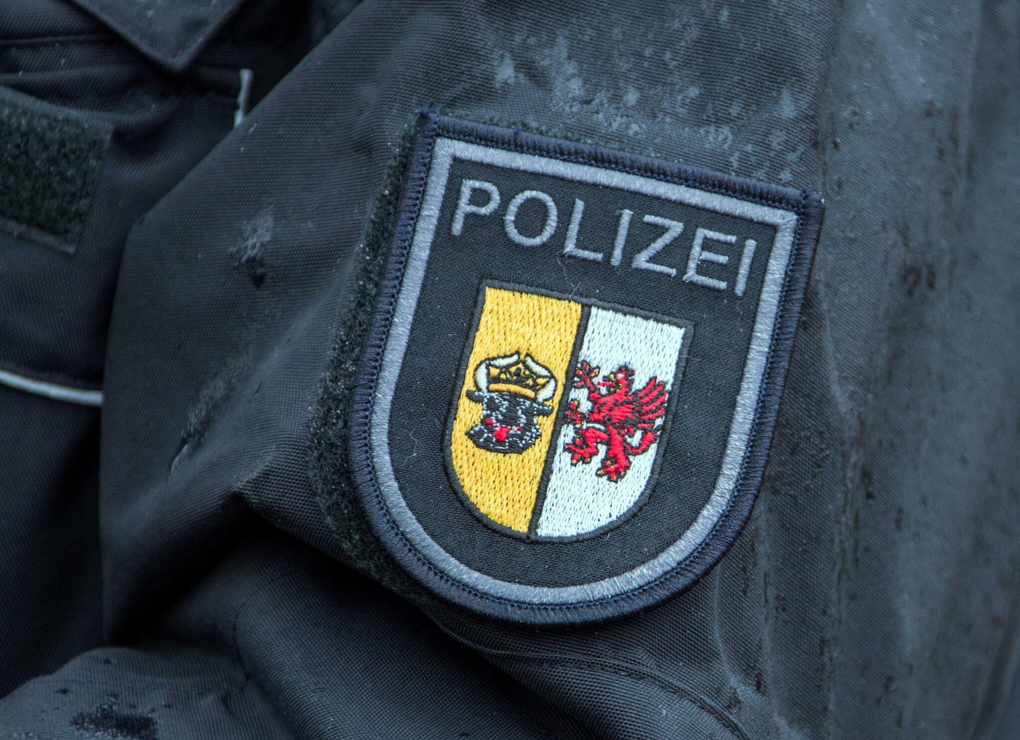 Bild zu Polizisten in MV festgenommen