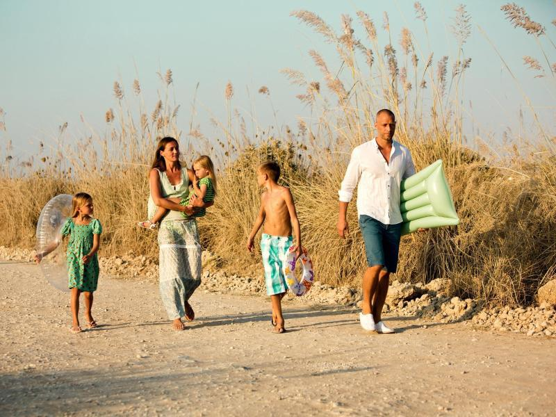 Bild zu Familie im Urlaub