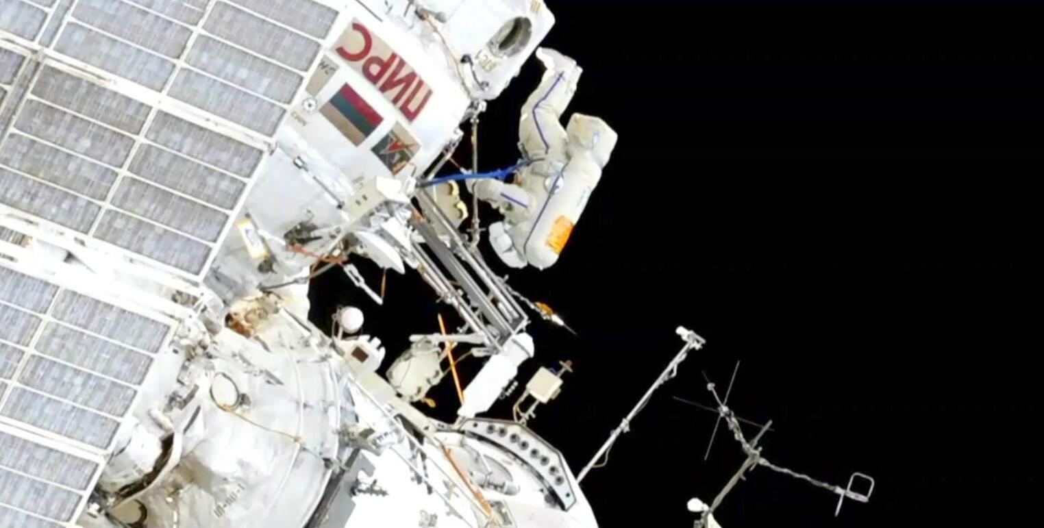 Bild zu Ausseneinsatz an der Internationalen Raumstation
