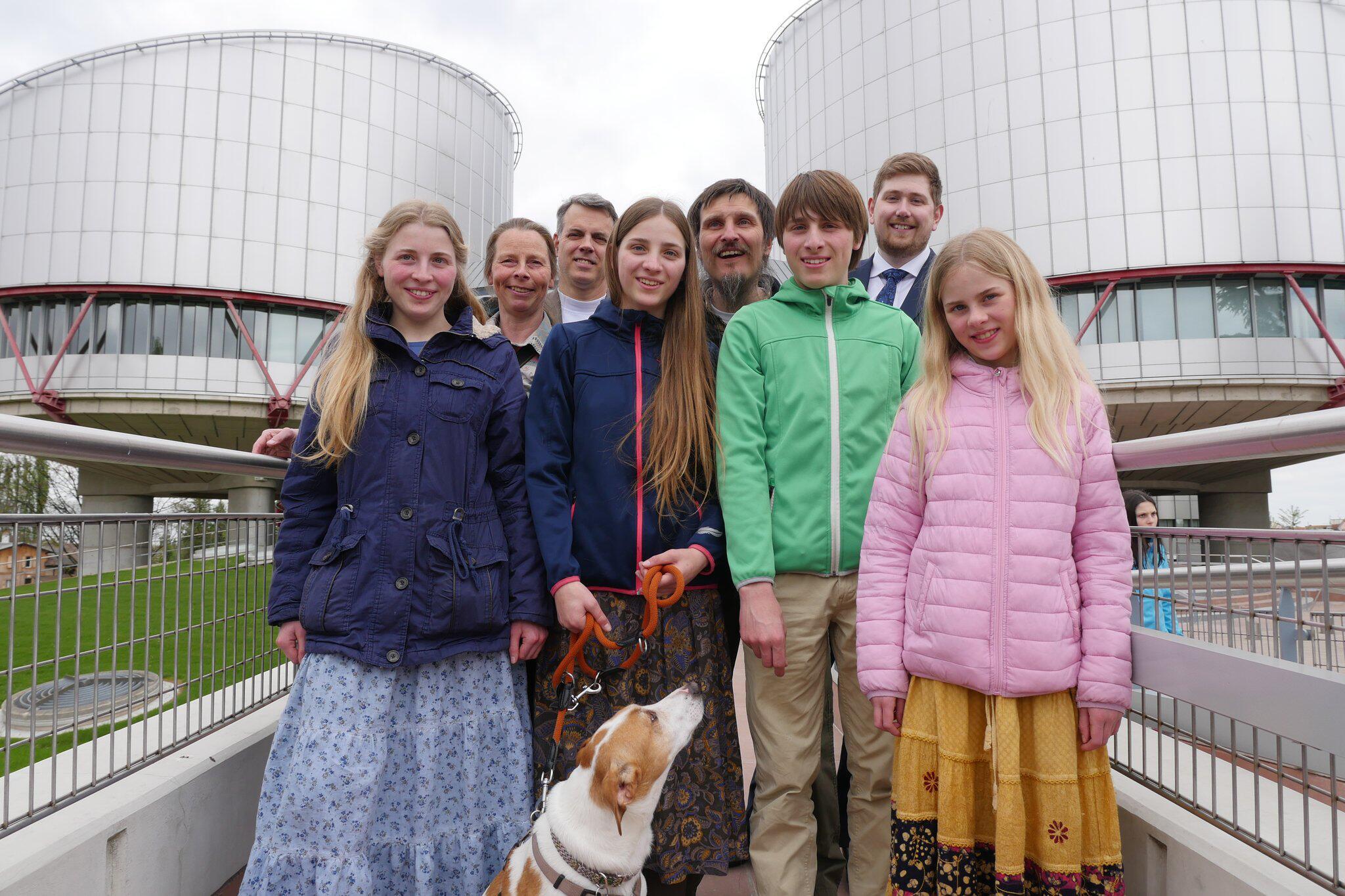 Bild zu Schulverweigerer klagen in Strassburg