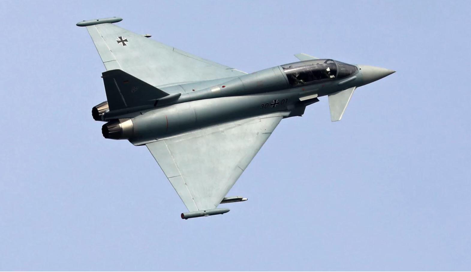 Bild zu Eurofighter, F-18-Kampfjet